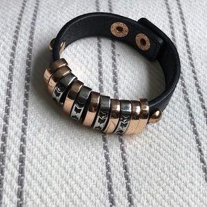 Banded bracelet